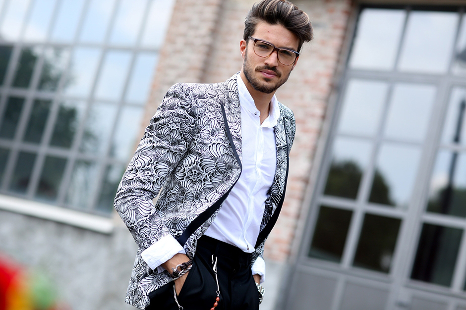 Sharp Meets Gorgeous 3 Men S Blazer Look From Street