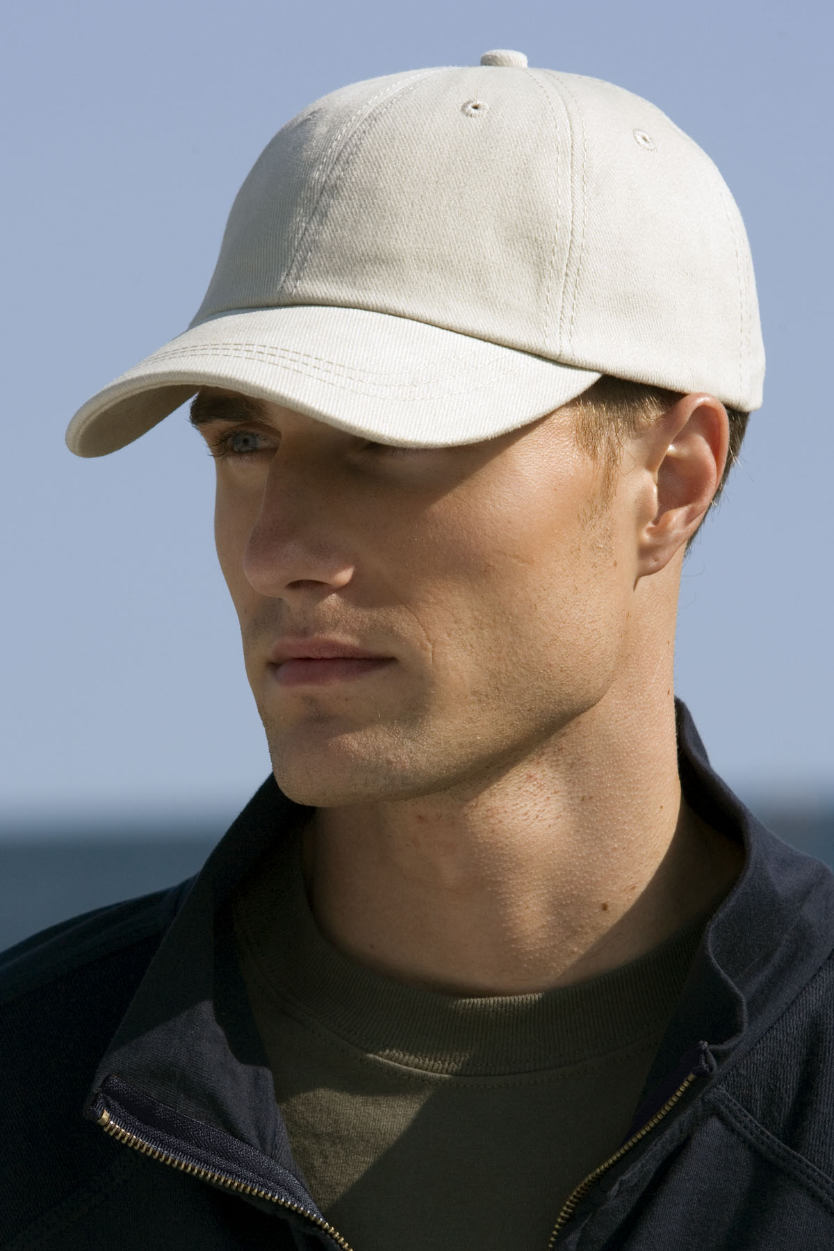 Vantage 0110 - Solid Brushed Twill Cap