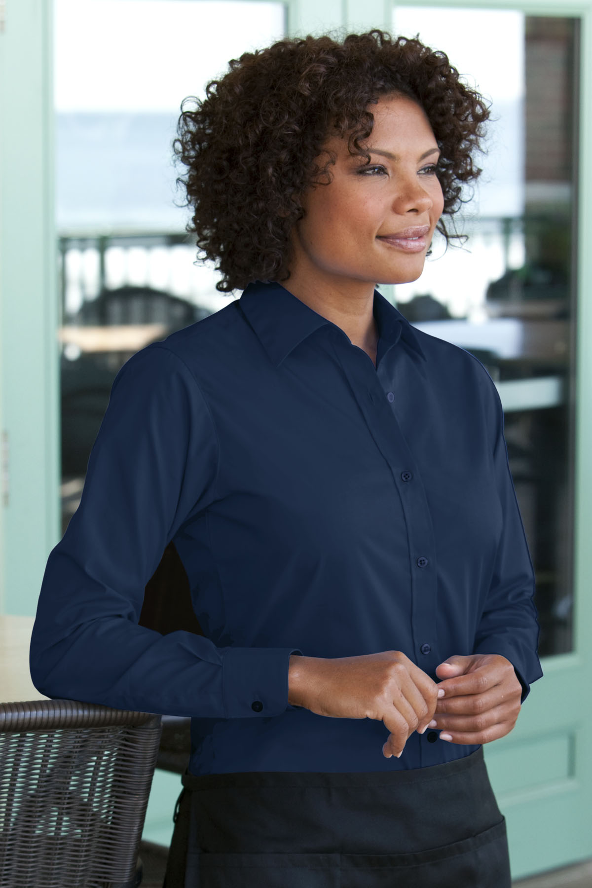 Vantage 1101 - Women's Blended Poplin Shirt