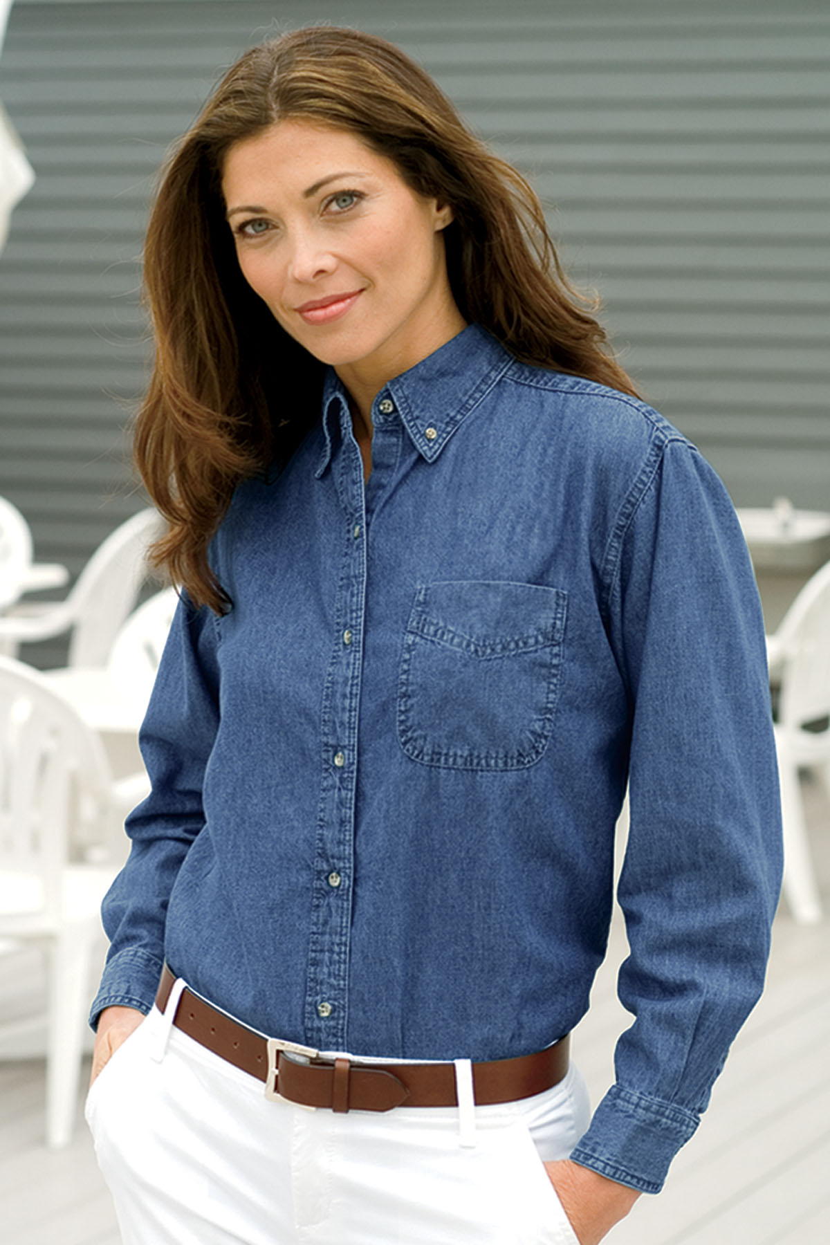 Vantage 1976 - Women's Woodbridge Denim Shirt