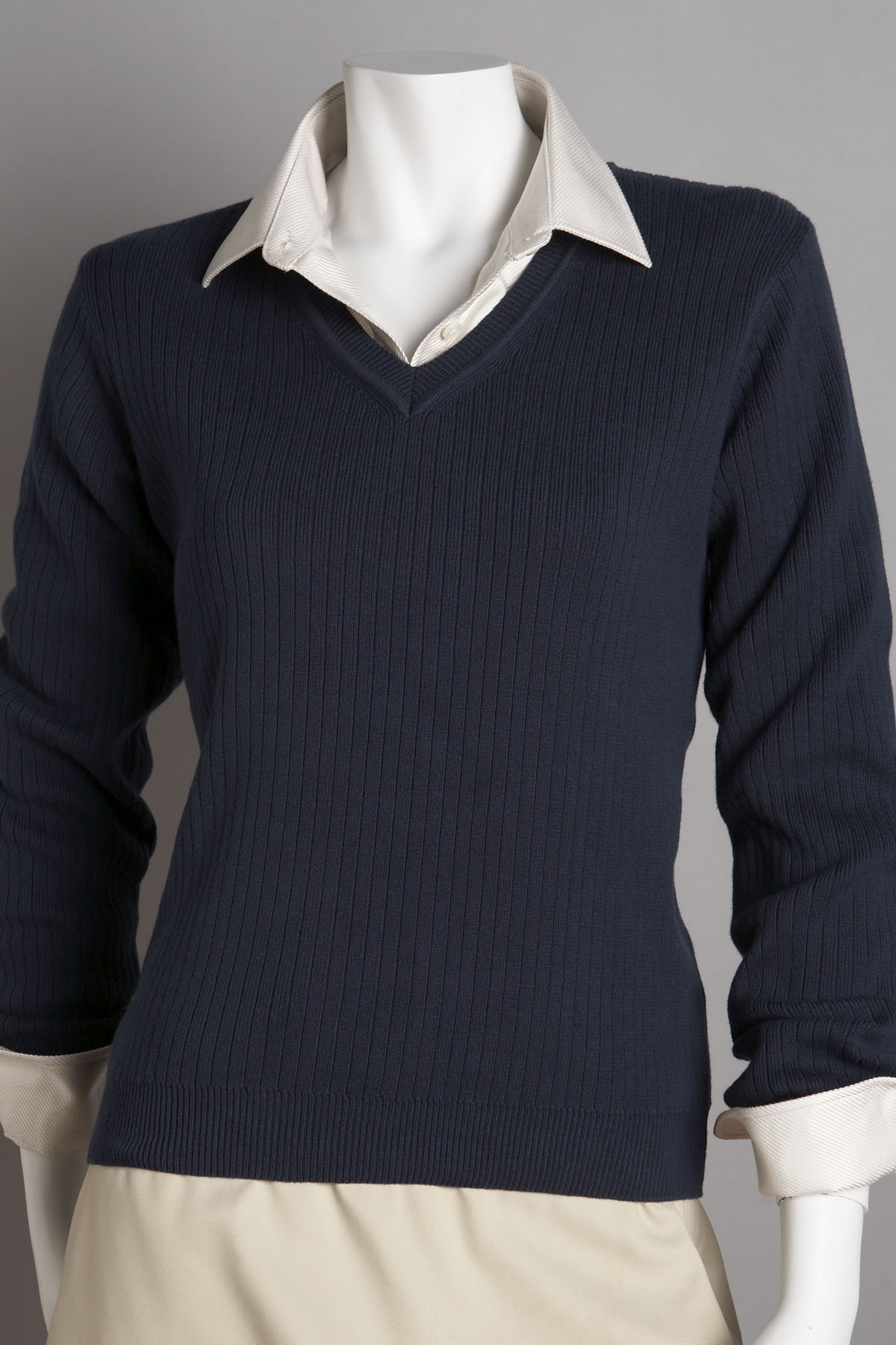 Greg Norman WNS9S420 - Women's V-Neck Drop-Needle Sweater