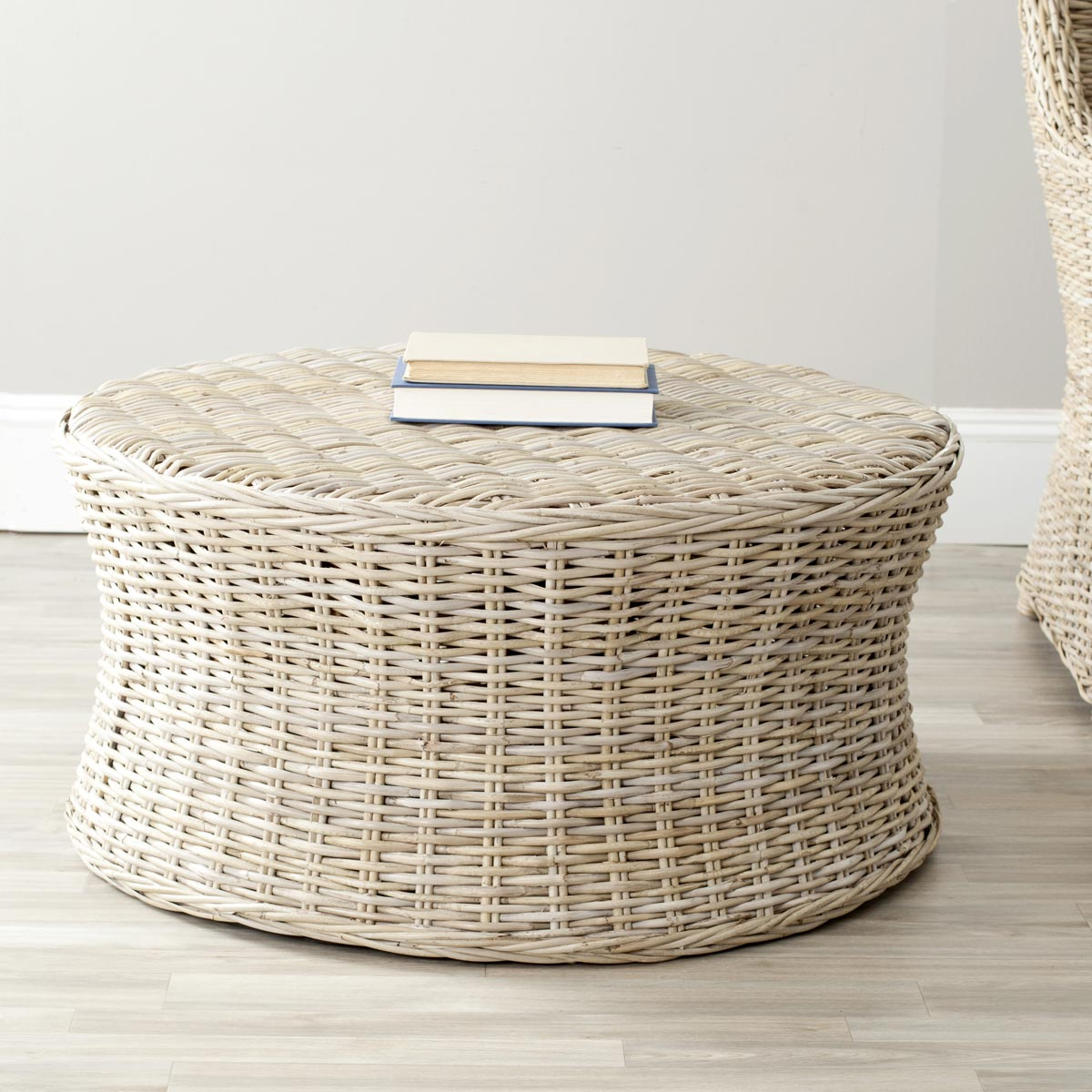 Safavieh - FOX6530A RUXTON COCKTAIL OTTOMAN