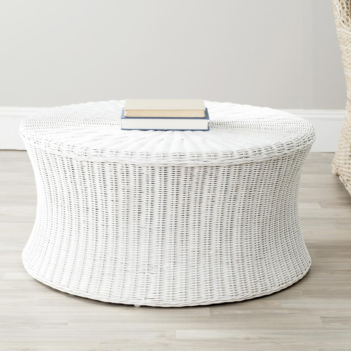Safavieh - FOX6530C RUXTON COCKTAIL OTTOMAN