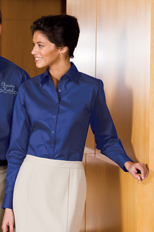 Port AuthorityLadies Lightweight Stretch Poplin Shirt.
