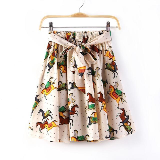 04Z01 Fashion women vintage horse print Mini pleated ...