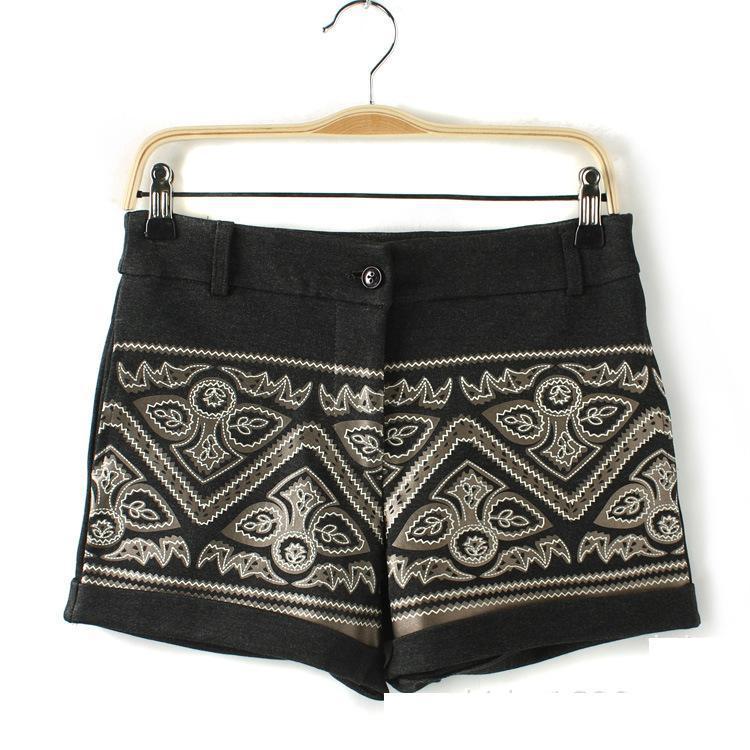 08 Fashion Ladies' elegant totem floral woolen shorts zippershorts OL shorts casual slim shorts